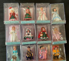 2000 Hallmark Madame Alexander Display Base Stand with 12 Collection Dolls