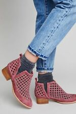 NWT Anthropologie Jeffrey Campbell Suede Taggart Ankle Booties Sz. 39