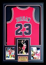 MICHAEL JORDAN CHICAGO BULLS AUTHENTIC NBA FINALS JERSEY SIGNED PHOTO FRAMED