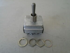 1 EA NOS CUTLER HAMMER TOGGLE SWITCH W/ VARIOUS APPLICATIONS  P/N: 7665K4