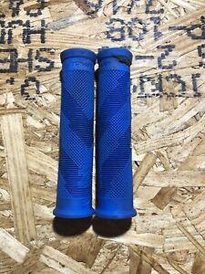 Race Face Slide-On Sniper Grips Blue