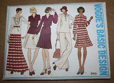 1960s VINTAGE SEWING PATTERN VOGUE 2913 MISSES' TOP SKIRT PANTS S:20 B:40 H:42
