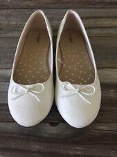 Cat & Jack Girls White Slip On Flats Dress Shoes Size 3
