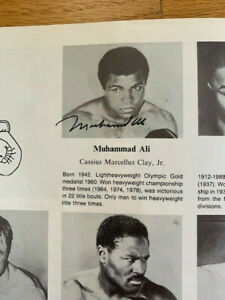 MUHAMMAD ALI HAND SIGNED 1990 INAUGURAL INDUCTION HOF PROGRAM     RARE      JSA