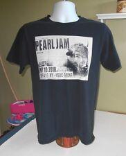Rare Pearl Jam Buffalo, NY 2010 Concert T-Shirt Size M Eddie Vedder Rock
