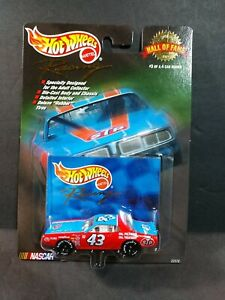 RICHARD PETTY 1972 Dodge Charger #43 Hot Wheels Racing Hall of Fame 1999 1/64