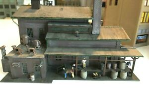 Professionally Built and Weathered Pola Industrial Wearhouse-Great Detail