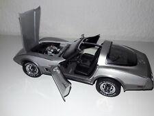 1:18 Automobile Skulptur Chevrolet Corvette 1978 UT/Autoart Vitrinen Modell nice