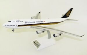 JFOX B7474034 1/200 SINGAPORE AIRLINES B747-412 MEGATOP REG: 9V-SPG WITH STAND