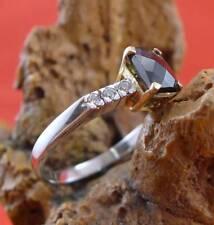 Zierlicher Edelstein Brillant Ring in 585 Weißgold und Gelbgold