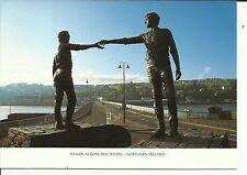 Hands across the Divide . Craigavon Bridge , Derry , Northern Ireland