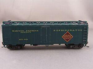 Athearn - Railway Express Agency - 40' Steel Reefer+ Wgt # 6101