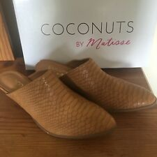 NEW COCONUTS by MATISSE Chole Tan Slip on 8.5