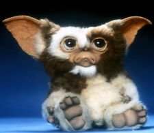 Gizmo (voiced by Howie Mandel) UNSIGNED photo - 855 - Gremlins
