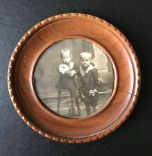 Photo 1895 Collée sur cadre de bois 2 garçons en costume marin L113