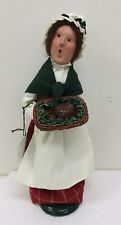Byers Choice Caroler Mrs Cratchit A Christmas Carol Plum Pudding Green Wrap