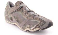 New GUESS Women Suede Casual Comfort Flat Walking Running Athletic Shoe Sz 7.5 M