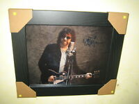 Jeff Lynne - Excellent Hand Signed Photograph (8x10) Framed + CoA