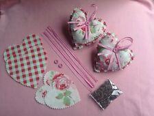 Cath KIDSTON Tissu Rose blanche coeurs suspendus avec Kit Couture parfumée à la lavande
