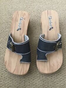 sketchers Sandals  Size5