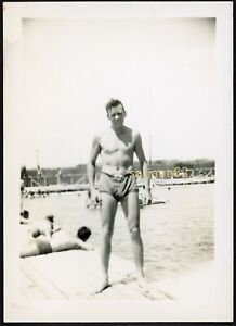 SHIRTLESS SWIMMER ARMY MAN in SWIMSUIT & BULGE by the POOL VINTAGE PHOTO GAY INT