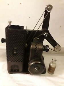 Vintage Kodak Kodascope Model D Film l6mm projector. Display -untested