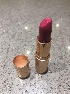 Charlotte Tilbury Lipstick. Velvet Underground. End Knocked Into Lid & Swatched