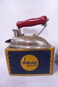 VINTAGE HOTPOINT IRON IN ORIGINAL BOX  - COLLECTORS KITCHENALIA HOMEWARES