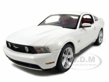 2010 FORD MUSTANG  GT COUPE WHITE 1/18 DIECAST MODEL CAR BY GREENLIGHT 12814