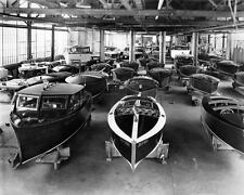 1937 1938 Gar Wood Wooden Power Boat Factory Scene Photo Poster zua3969-OQA1S8