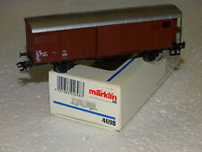 MARKLIN 4698  SUPERBE WAGON COUVERT A ESSIEUX DE LA SBB CFF EN BOITE HO