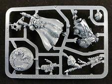 40k Space Marine Edición Limitada Dark Vengeance interrogador capellán seraphicus