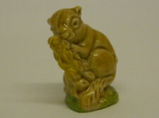 WADE WHIMSIES - SQUIRREL EATING CORN FROM ENGLISH WHIMSIES SET 5 - 1974