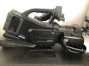 Panasonic MiniDV Professional Digital Camcorder DVC20P 3CCD 500x