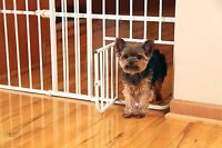 Carlson Tuffy Expandable Gate with Small Pet Door 0624
