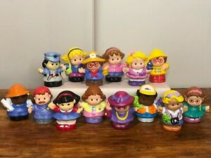 Mattel Fisher Price Little People Lot of 14 Towns People Police, Kids, Vacation