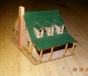 """Vintage Ideal """"Tiny Town"""" Cardboard Cape Cod House  H0 scale"""