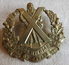 Military WWII Queens Own Cameron Highlanders Of Canada Cap Badge  (1374)