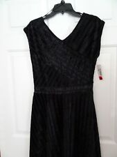 NEW DIRECTIONS LADIES SIZE PM BLACK V NECK DRESS-DRESSY/FORMAL-EMBOSSED-NWT