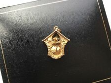 Heavy ,Vintage solid 9 ct yellow gold charm of moving cuckoo clock 4.7g  HM 375