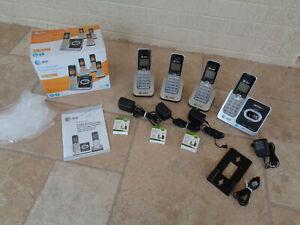 AT&T EL52401 Digital Answering System 4 Cordless Handsets charging bases Battery
