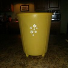 Rubbermaid small yellow Waste Paper Trash Can Round Bathroom #2940 Vintage