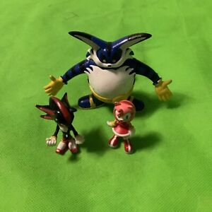 Sega Sonic the Hedgehog figure bundle