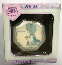 Precious Moments December Month Porcelain Covered Box 2000 Enesco