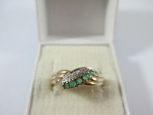 VERY PRETTY PRE-OWNED 9ct GOLD EMERALD & DIAMOND CROSSOVER RING UK SIZE O  2g