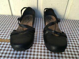 Ahnu Tullia women's mary jane leather shoes size 9. Black