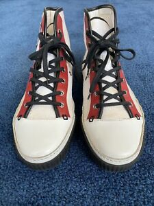 Mens 100% Authentic Gucci Canvas and Leather Sneakers Size8