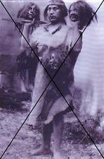 """curiosité , oddities : photo """" coupeur de tete """""""