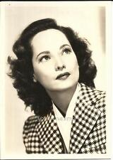 MARVELOUS MERLE OBERON ORIGINAL VINTAGE HOLLYWOOD FAN PHOTO