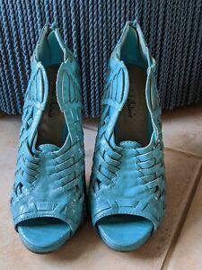 Designer MICHAEL ANTONIO Shoes Stilleto Heels US 6.5 Blue